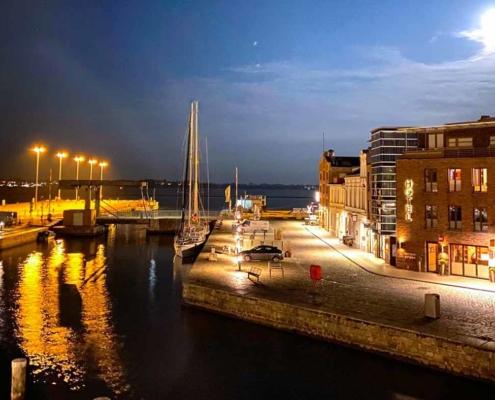 Maritimer Flair: Kreuzfahrtatmosphäre in Stralsunds bester Lage - Hotel Kontorhaus Stralsund