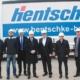 Ministerpräsident Michael Kretschmer besucht Hentschke Bau - Nico Noack (Betriebsrat), Mirko Wappler (Betriebsrat), Marko Schiemann (MdL), Michael Kretschmer (Ministerpräsident), Jörg Drews (Geschäftsführer Hentschke Bau), Thomas Alscher (Geschäftsführer Hentschke Bau), Udo Witschas (stellv. Landrat)